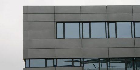 Bürogebäude und Logistikhalle München